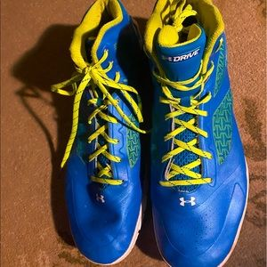 Under Armour Men's 16 Athletic Basketball Shoes